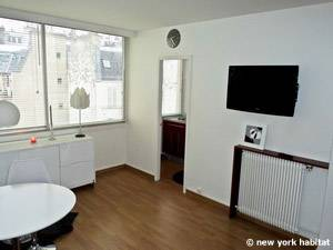 Paris Studio accommodation - living room (PA-4214) photo 4 of 9