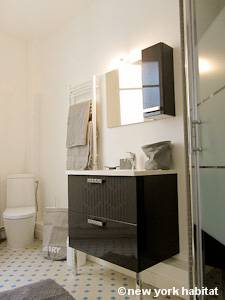 Paris Studio apartment - bathroom (PA-4253) photo 1 of 2