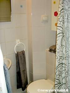 Paris Studio T1 logement location appartement - salle de bain (PA-4263) photo 3 sur 3