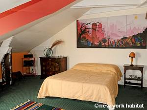 Paris T3 - Duplex appartement location vacances - chambre 1 (PA-4270) photo 1 sur 3