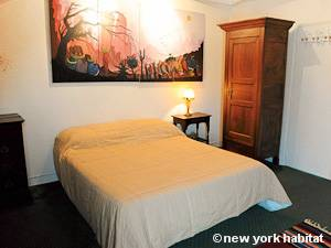 Paris T3 - Duplex appartement location vacances - chambre 1 (PA-4270) photo 2 sur 3