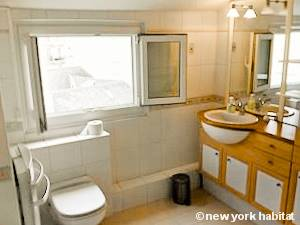 Paris T2 - Duplex - Penthouse logement location appartement - salle de bain (PA-4274) photo 2 sur 2