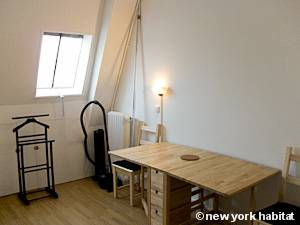 Paris Studio T1 logement location appartement - séjour (PA-4277) photo 2 sur 8
