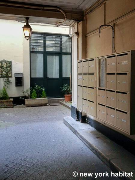 Paris Accommodation Alcove Studio Loft Apartment Rental In Bourse PA 4422