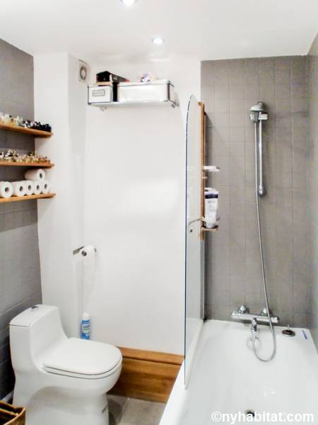 Paris 2 Bedroom accommodation - bathroom (PA-4674) photo 1 of 3