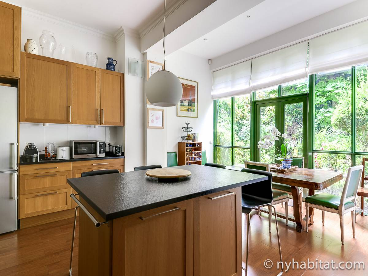 Paris - 4 Bedroom accommodation - Apartment reference PA-4691