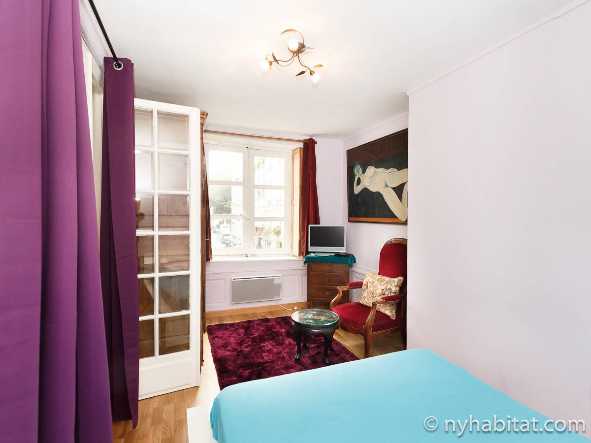 Paris 1 Bedroom accommodation - bedroom (PA-4696) photo 3 of 6