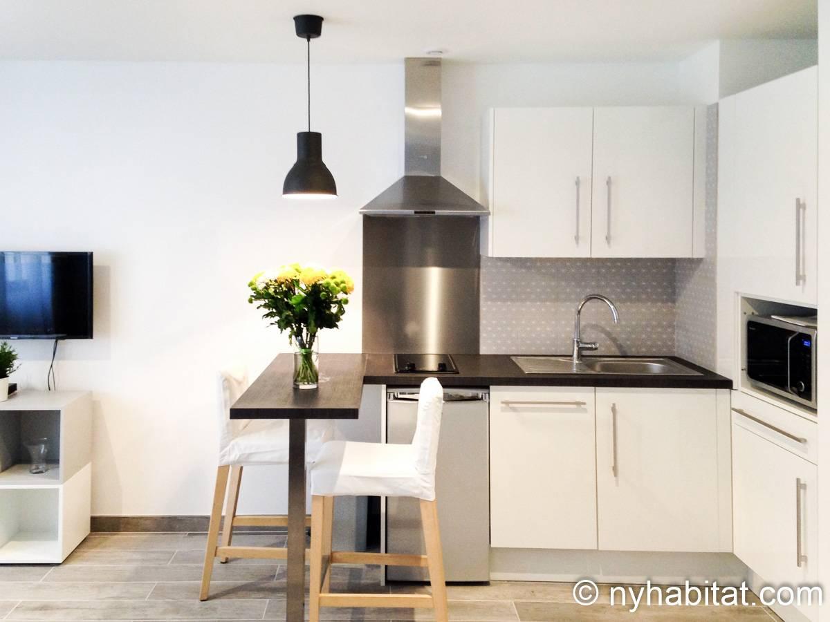 logement paris location meubl e t2 montparnasse pa 4703. Black Bedroom Furniture Sets. Home Design Ideas
