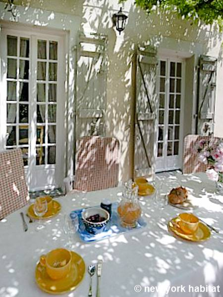 Sud de la France - Provence - T3 - Villa appartement location vacances - autre (PR-174) photo 5 sur 12