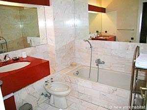 South of France - French Riviera - Studio apartment - bathroom (PR-175) photo 1 of 3