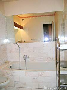 South of France - French Riviera - Studio apartment - bathroom (PR-175) photo 2 of 3