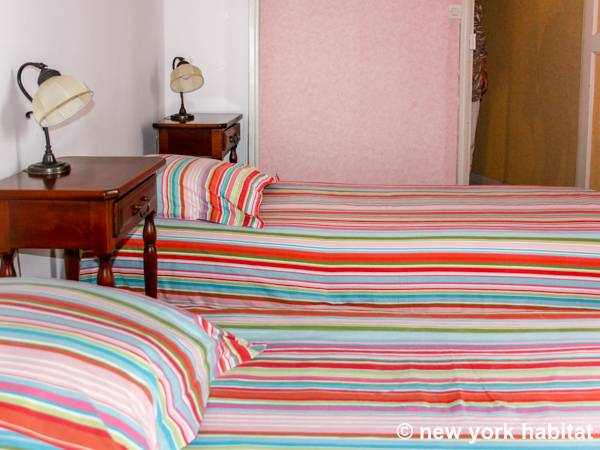 South of France - Provence - 2 Bedroom accommodation bed breakfast - bedroom 1 (PR-224) photo 3 of 5