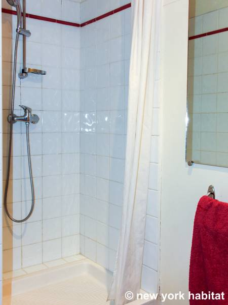 South of France - Provence - 2 Bedroom accommodation bed breakfast - bathroom (PR-224) photo 2 of 4