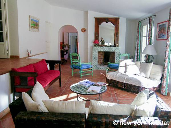 South of France - French Riviera - 4 Bedroom - Villa accommodation - living room 1 (PR-340) photo 2 of 9