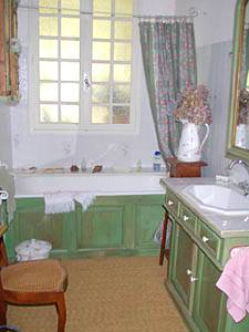 South of France - Provence - 2 Bedroom - Villa accommodation bed breakfast - bathroom 1 (PR-374) photo 1 of 4