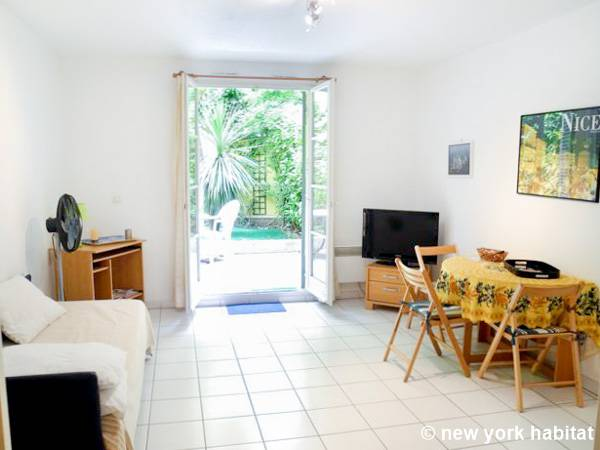 Studio Apartment Living south france apartment: studio apartment rental in nice, french