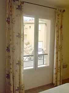 Sud de la France - Provence - T5 - Villa appartement location vacances - chambre 2 (PR-409) photo 3 sur 4