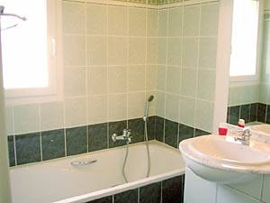 Sud de la France - Provence - T5 - Villa appartement location vacances - salle de bain 2 (PR-409) photo 2 sur 2