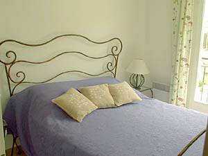 Sud de la France - Provence - T5 - Villa appartement location vacances - chambre 3 (PR-409) photo 1 sur 4