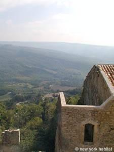 Appartement dans le Sud de la France Location de Vacances T5 - Viens, Provence (PR-442)