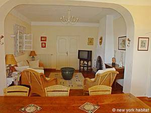 South of France - Provence - 4 Bedroom - Villa accommodation bed breakfast - living room (PR-498) photo 5 of 14