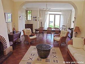 South of France - Provence - 4 Bedroom - Villa accommodation bed breakfast - living room (PR-498) photo 6 of 14
