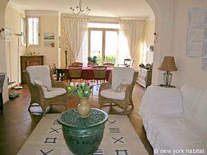 South of France - Provence - 4 Bedroom - Villa accommodation bed breakfast - living room (PR-498) photo 7 of 14
