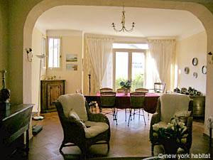 South of France - Provence - 4 Bedroom - Villa accommodation bed breakfast - living room (PR-498) photo 8 of 14