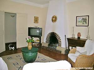 South of France - Provence - 4 Bedroom - Villa accommodation bed breakfast - living room (PR-498) photo 9 of 14