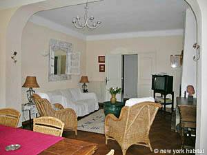 South of France - Provence - 4 Bedroom - Villa accommodation bed breakfast - living room (PR-498) photo 10 of 14