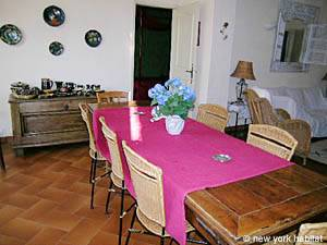 South of France - Provence - 4 Bedroom - Villa accommodation bed breakfast - living room (PR-498) photo 11 of 14