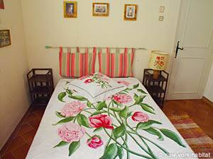 South of France - Provence - 4 Bedroom - Villa accommodation bed breakfast - bedroom 2 (PR-498) photo 5 of 5