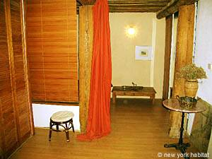 South of France - Provence - 1 Bedroom - Loft apartment - bedroom (PR-549) photo 2 of 3