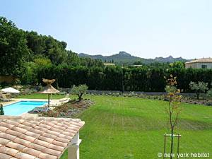 South of France - Provence - 4 Bedroom - Duplex - Villa accommodation - bedroom 3 (PR-556) photo 2 of 4