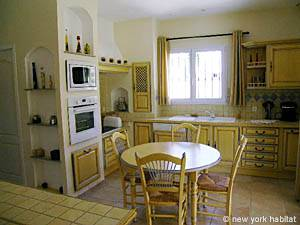 Sud de la France - Provence - T5 - Villa appartement location vacances - cuisine (PR-557) photo 1 sur 5