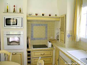 Sud de la France - Provence - T5 - Villa appartement location vacances - cuisine (PR-557) photo 3 sur 5