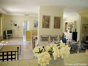 South of France - Provence - 4 Bedroom - Villa accommodation - living room (PR-557) photo 9 of 9