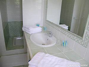 South of France - Provence - 4 Bedroom - Villa accommodation - bathroom 3 (PR-557) photo 3 of 3