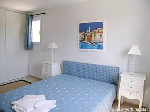 Sud de la France - Provence - T5 - Villa appartement location vacances - chambre 4 (PR-557) photo 2 sur 4