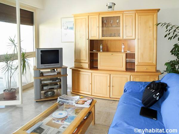 South of France - French Riviera - 2 Bedroom accommodation - Apartment reference PR-558