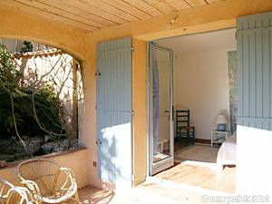 South of France - Provence - 4 Bedroom - Villa accommodation - bedroom 1 (PR-603) photo 2 of 5