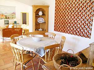 South of France - Provence - 4 Bedroom - Villa accommodation - living room (PR-603) photo 1 of 13