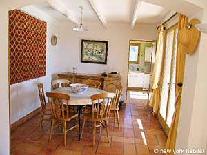 South of France - Provence - 4 Bedroom - Villa accommodation - living room (PR-603) photo 5 of 13