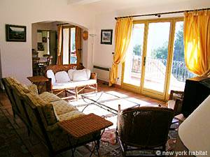 South of France - Provence - 4 Bedroom - Villa accommodation - living room (PR-603) photo 12 of 13