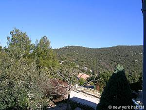 South of France - Provence - 4 Bedroom - Villa accommodation - bedroom 3 (PR-603) photo 3 of 4
