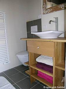 South of France - Provence - 1 Bedroom accommodation - bathroom (PR-617) photo 3 of 7