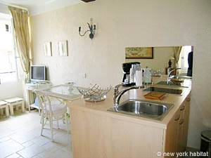 South of France - French Riviera - Studio accommodation - living room (PR-630) photo 1 of 10