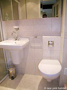 South of France - French Riviera - Studio accommodation - bathroom (PR-630) photo 1 of 3