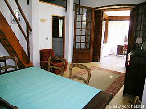 South of France - French Riviera - 2 Bedroom accommodation - living room (PR-633) photo 10 of 25