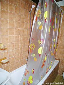 South of France - French Riviera - 2 Bedroom accommodation - bathroom (PR-633) photo 3 of 6